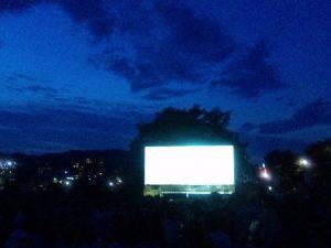 ポップラ劇場野外上映会 会場の様子
